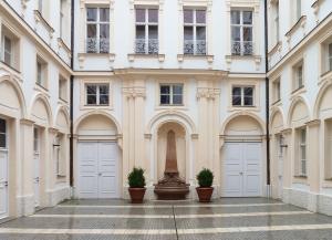 haushofer erzbischoefliches palais
