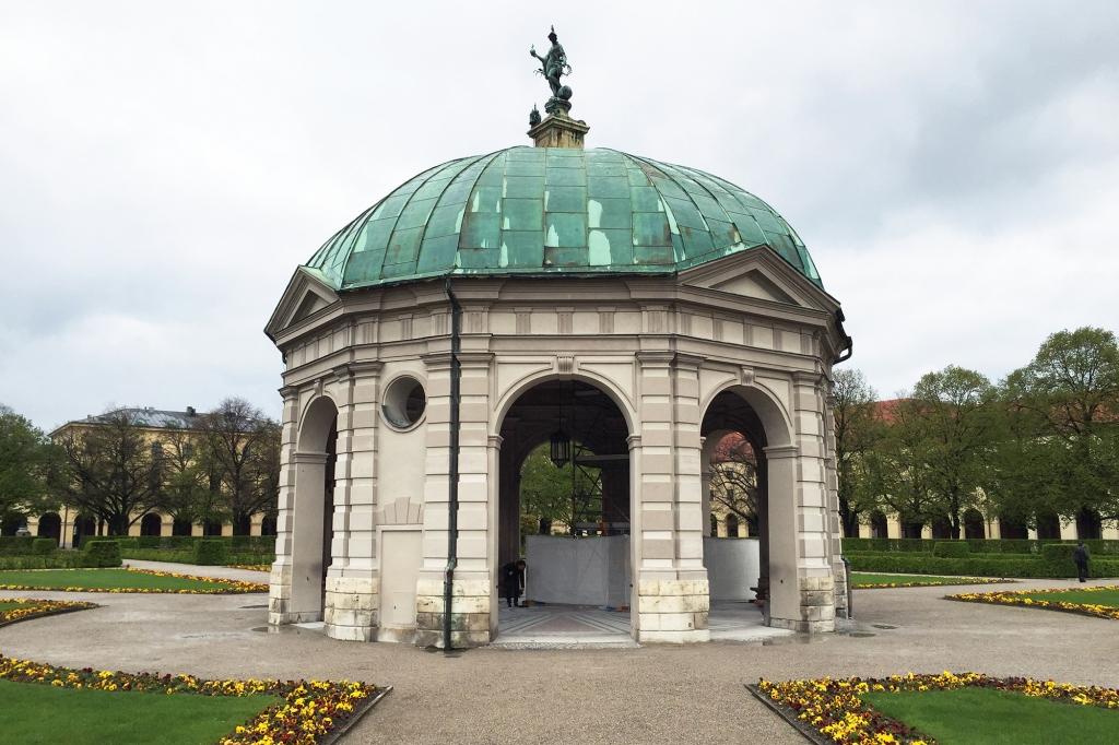 haushofer hofgarten tempel